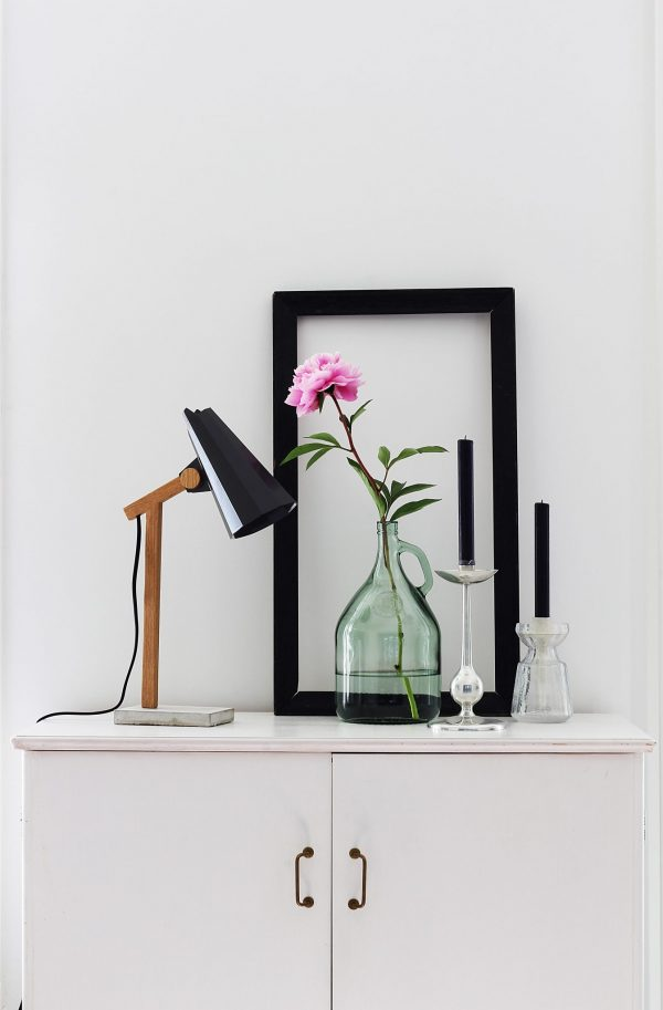 filly dark grey solid oak table lamp